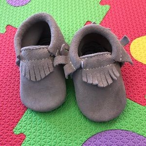 Like New! Freshly Picked Gray Suede Size 2
